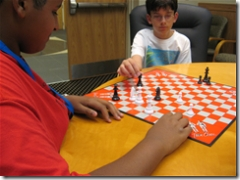 iD Tech students playing chess