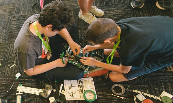 stem-activites-winter-break-robotics